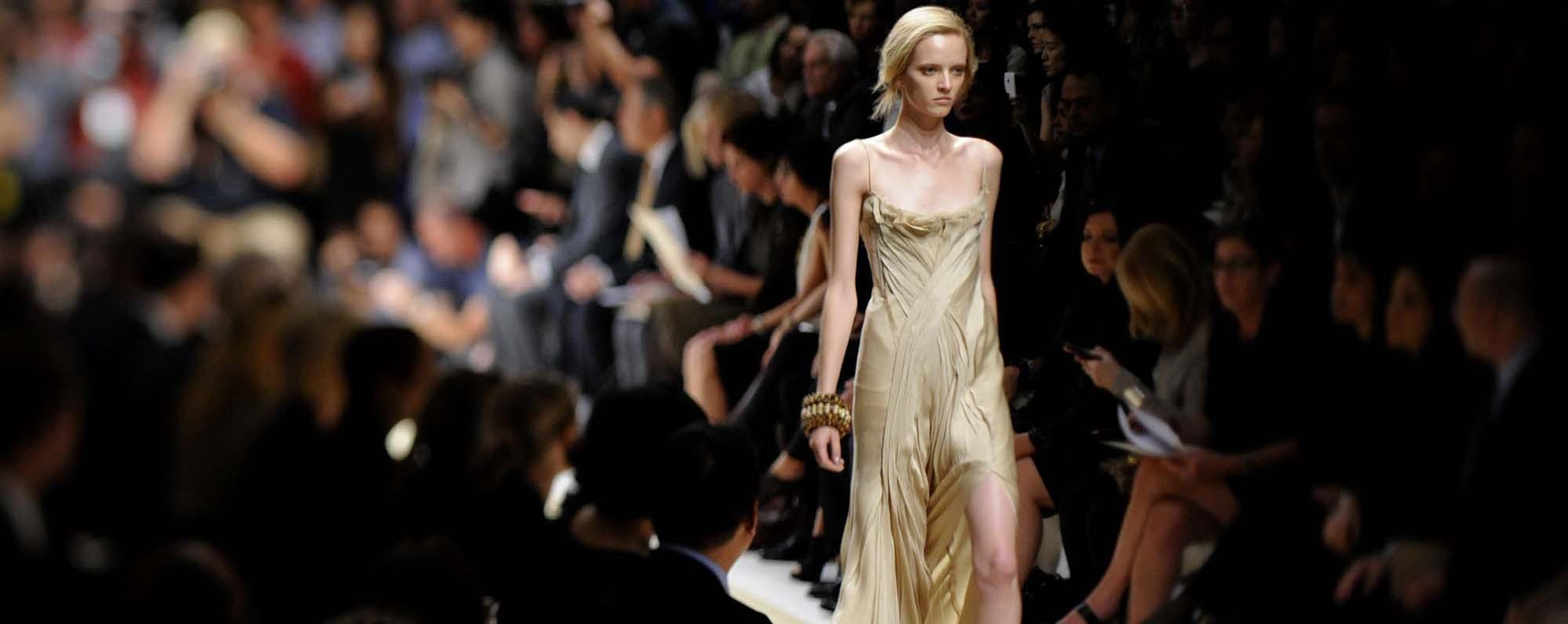 Celebrity Photos, Celebrity Pictures, Celebrity Pics E! News English music for fashion show