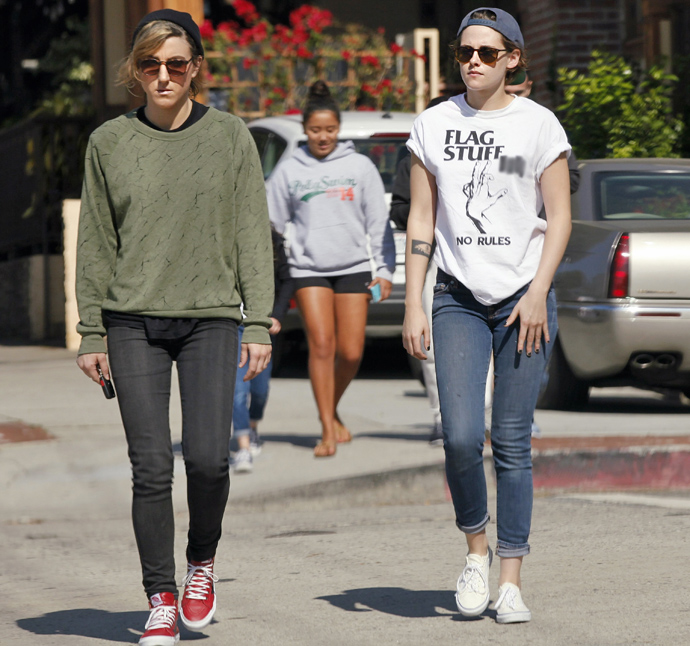 Kristen Stewart gives a death stare getting coffee