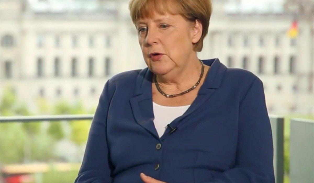 Netz_Fragt_Merkel-01