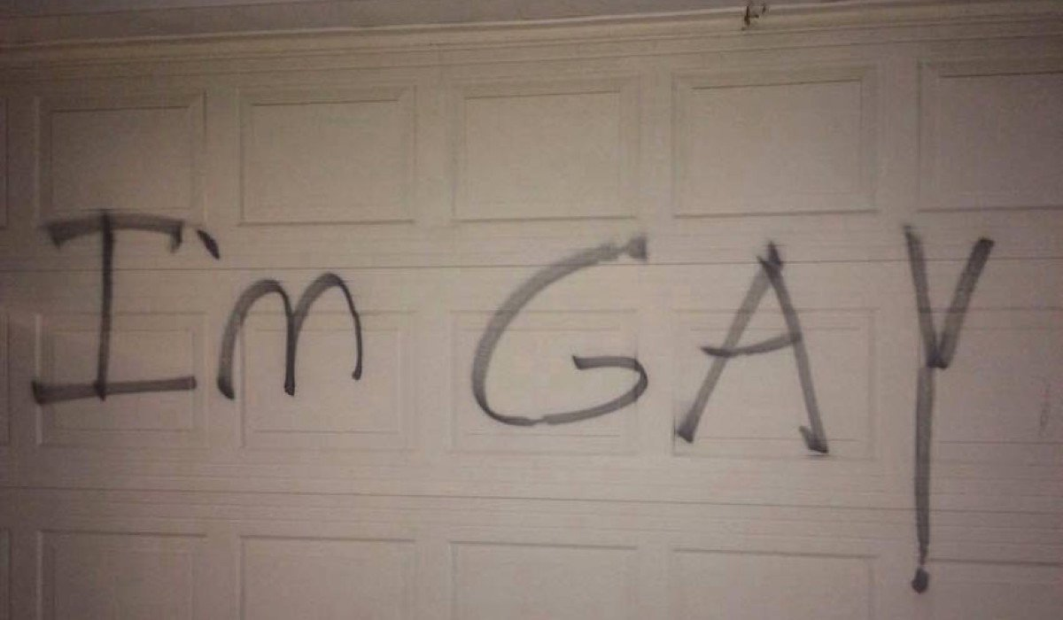 Anti_Gay_Graffiti-01