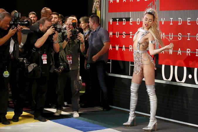 Miley Cyrus VMA 01