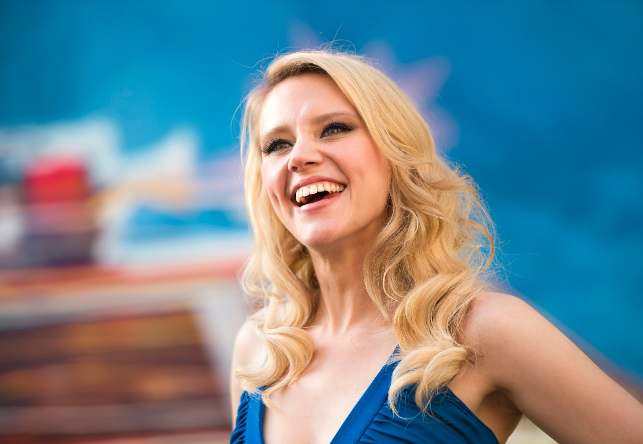 545750664-actress-kate-mckinnon-attends-the-los-angeles-premiere-jpg-crop-cq5dam_web_1280_1280_jpeg
